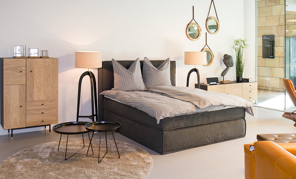 neuer home24 showroom im stilwerk berlin. Black Bedroom Furniture Sets. Home Design Ideas