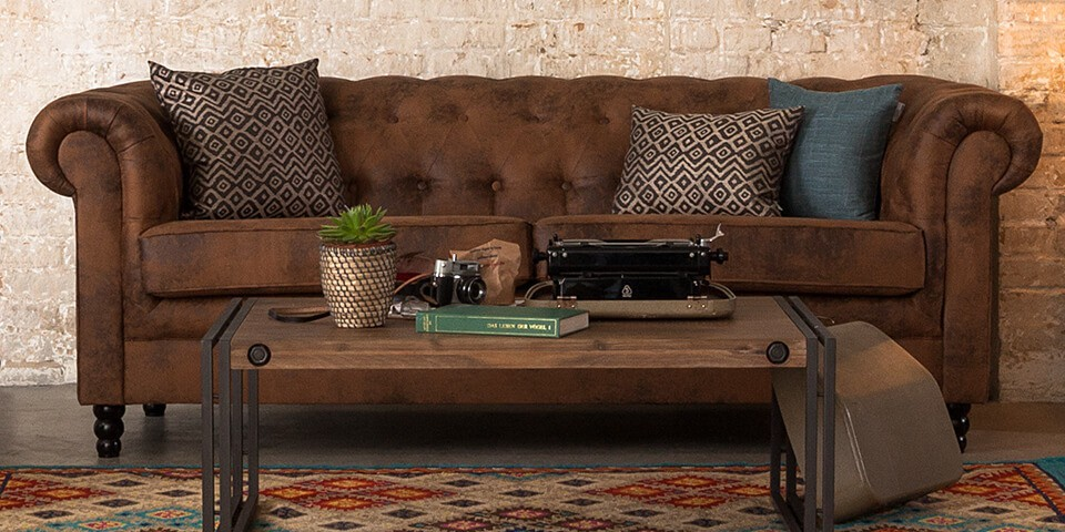 Zoom Sur Le Canape Chesterfield